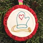 "</p> <p><center><a href=""http://dreamlaughcreate.blogspot.it/2012/11/aurifil-ornament-hop.html"" target=""_blank"">Lizzie B Cre8ive</a></center>"
