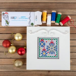 "<center><a target=""_blank"" href=""https://www.aurifil.com/wp-content/uploads/2019/07/Sparkly-Snowflakes-chart.pdf"">Day 25 - Sparkly Snowflakes </a></center>"